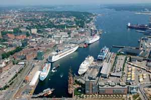 Киль (Германия) Киль (нем. Kiel — город в Германии, столица земли Шлезвиг-Гольштейн. Расположен на берегу Кильского залива